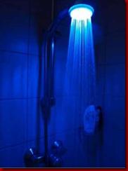 Amanda77s-Medien-P7136279-bunte-farbenled-duschkopfmonsterzeug-Mozilla-Firef 2012-02-26 00-44-1 in Produkttest-Monsterzeug.de-Originelle Geschenke