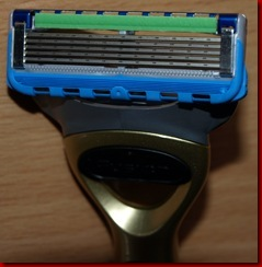 P2268068 Thumb in Im Test-Fusion ProGlide Power Gold Edition