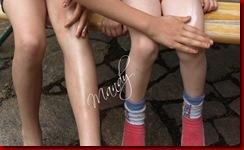 P6178696 Thumb in Ladival-Sonnenschutzmilch für Kinder